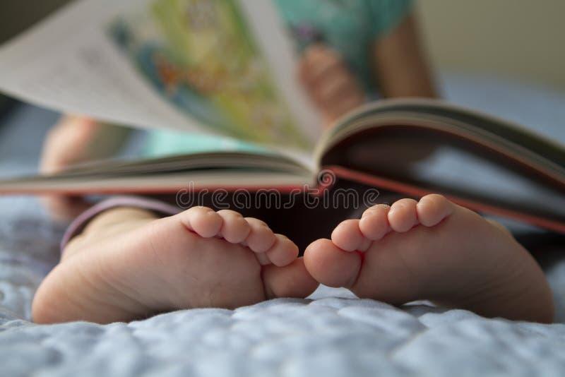 Kleinkind-Fußnahaufnahme lizenzfreie stockbilder
