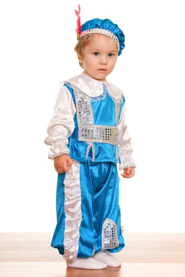 Kleinkind kleidete in einer Klage eines Prinzen an stockfoto