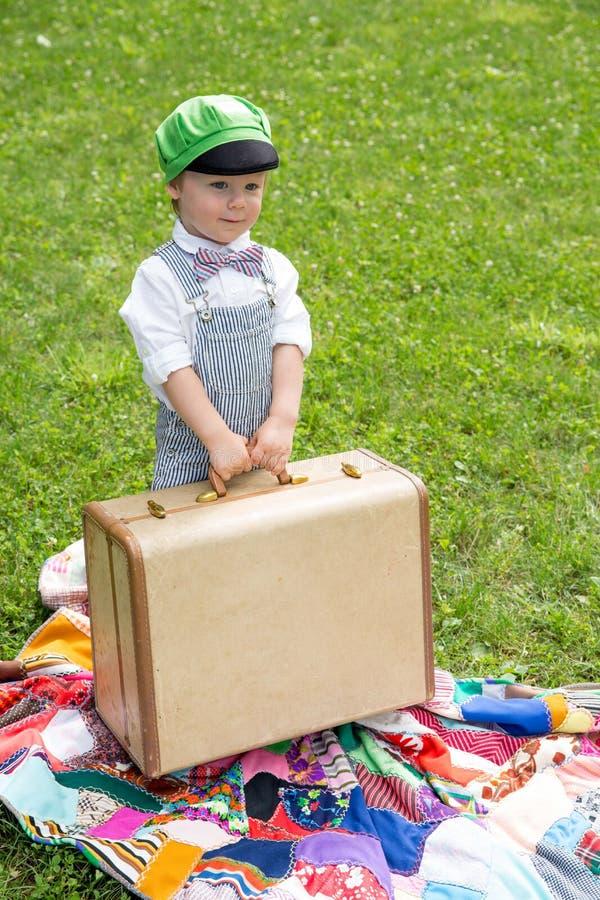 Kleinkindjunge lizenzfreies stockfoto