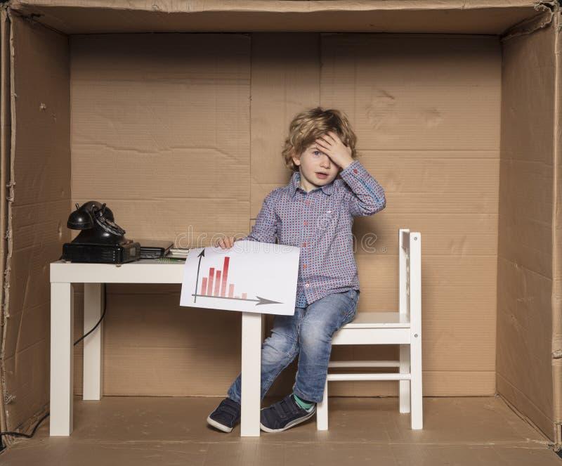 Kleinunternehmer traf falsche Entscheidungen stockbilder