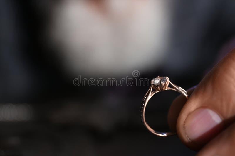 Klejnot z pierścieniem diamentowym Odstęp tekstu obraz stock