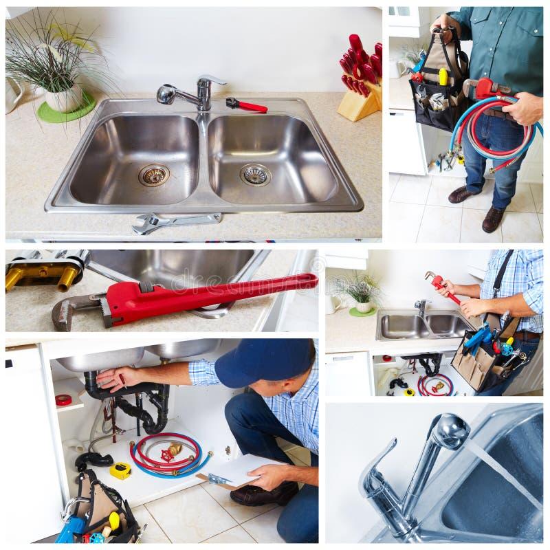 Klempner auf der Küche lizenzfreie stockfotos