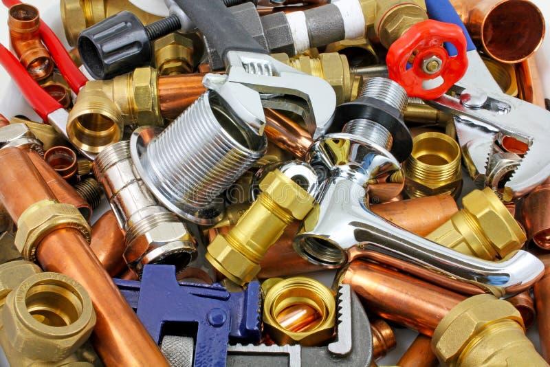 Klempner ` s Rohre und Installationen lizenzfreie stockfotografie