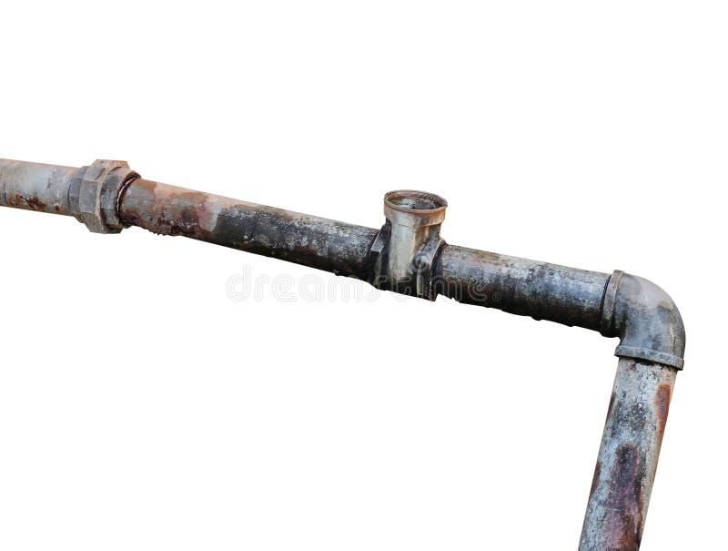 Klempnerarbeit-Stahl verfiel, das alte rostige schmutzige Trinken der Wasserleitung lokalisiert auf weißem Hintergrund stockfotografie