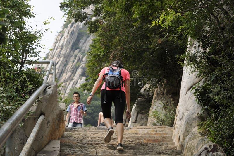 Kletternde Treppe des Songshans China lizenzfreie stockfotografie