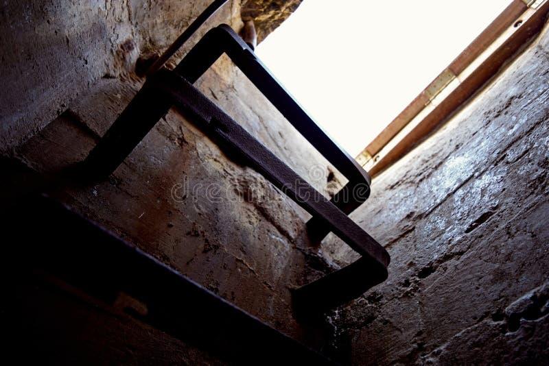 Kletternde Treppe zum Himmel lizenzfreies stockbild