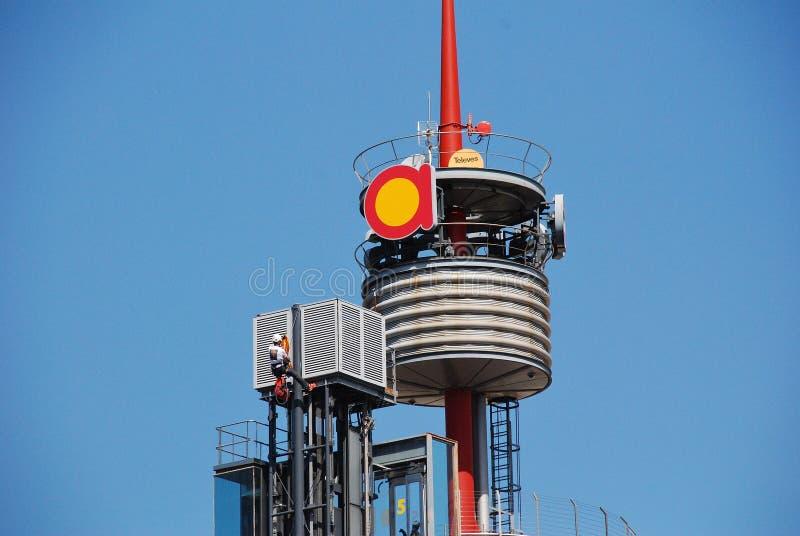 Kletternder Mast des Protestor, Barcelona stockbilder
