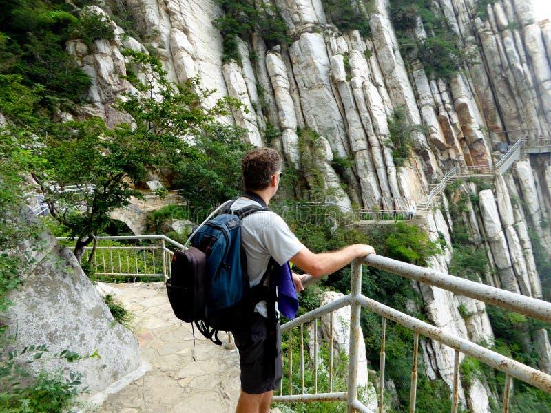 Kletternder Songshan lizenzfreies stockbild