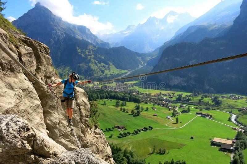 Klettersteig i Kandersteg arkivbild
