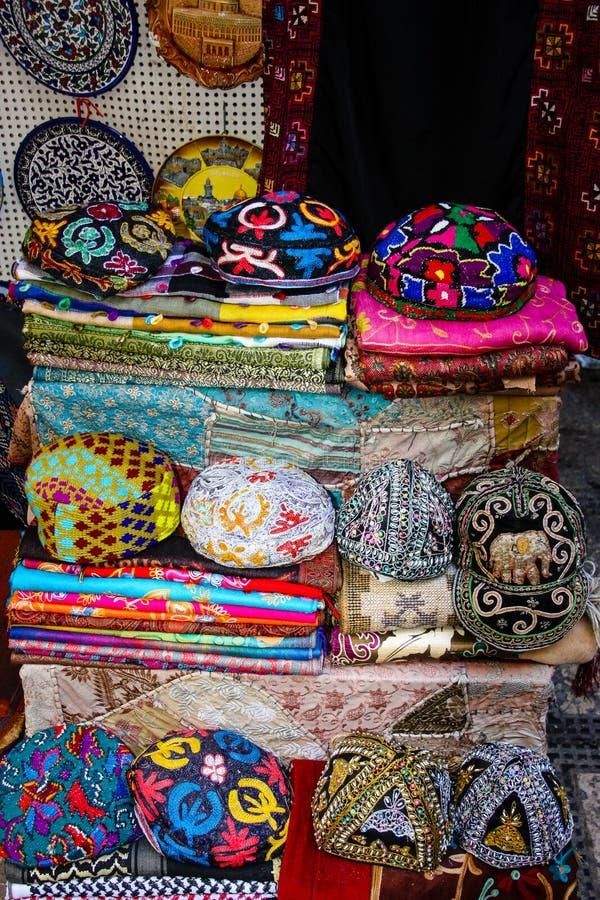 Kleuren van de oude bazaar van Jeruzalem stock afbeeldingen