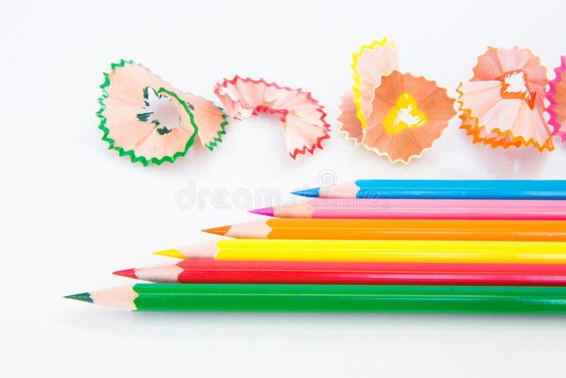 Kleurenpotlood en schaafsel stock afbeeldingen