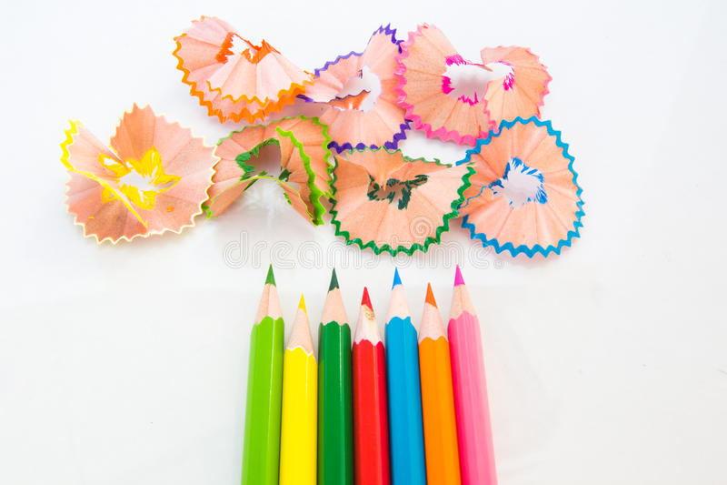 Kleurenpotlood en schaafsel stock foto