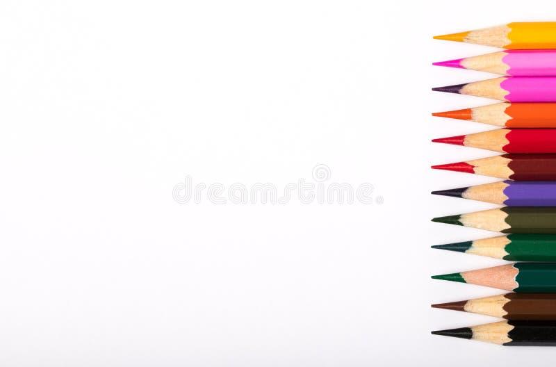 Kleurpotloden op Witboek royalty-vrije stock fotografie