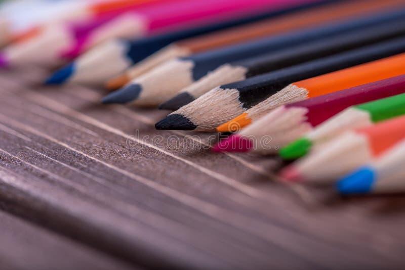 Kleurpotlood op hout royalty-vrije stock afbeelding