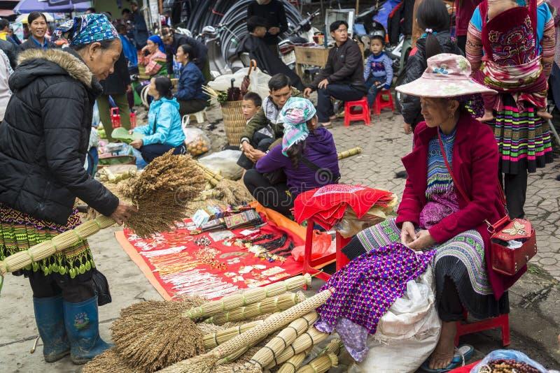 Kleurrijk Bac Ha Sunday Market, Noordelijk Vietnam royalty-vrije stock fotografie