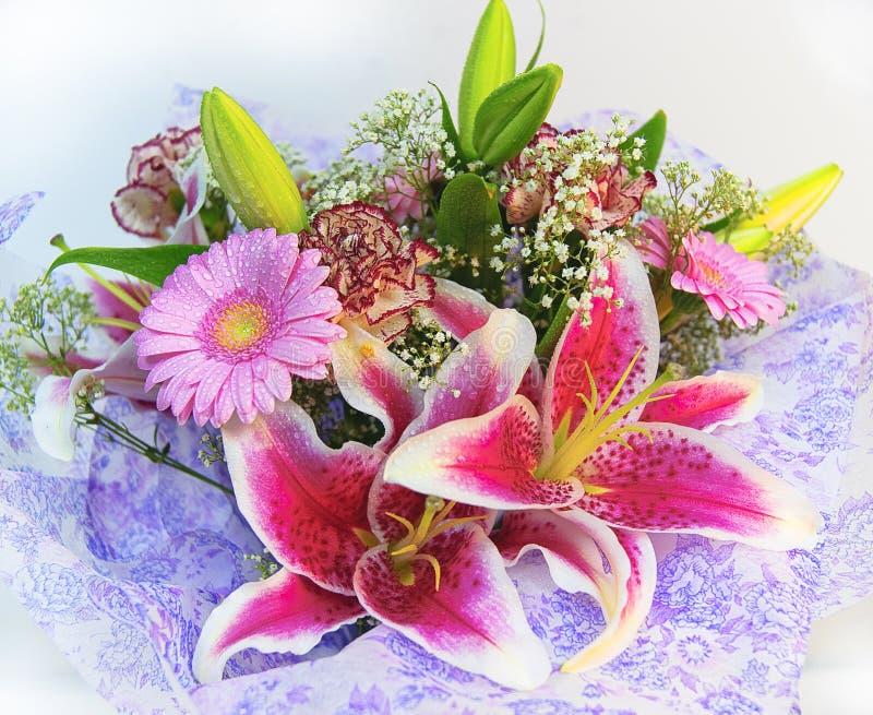Kleurrijk bloemenboeket stock foto
