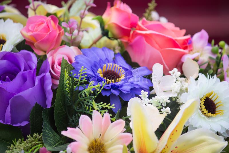 Kleurrijk bloemenboeket stock afbeelding