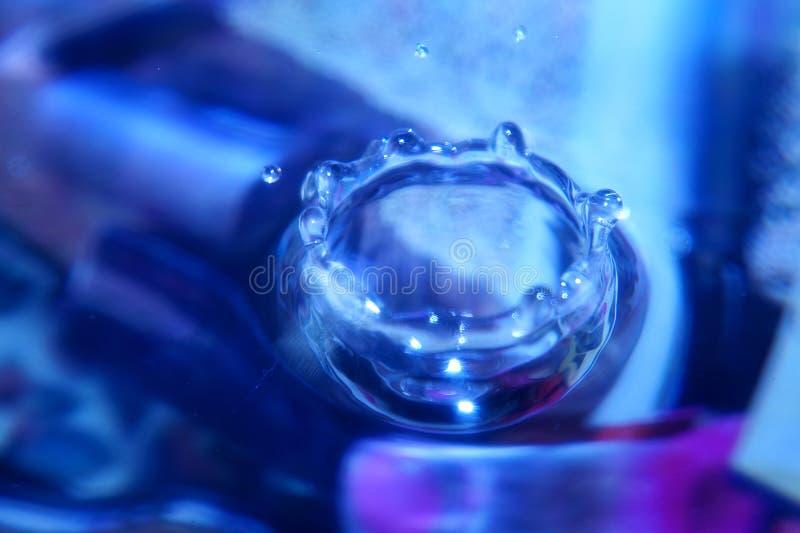 Kleurrijk de plons listig close-up van de Waterdaling royalty-vrije stock fotografie