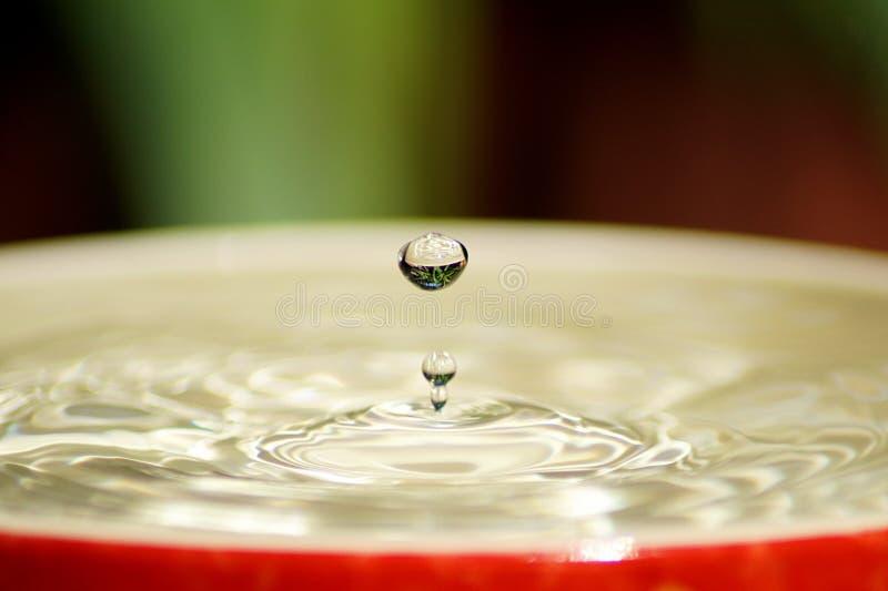 Kleurrijk de plons listig close-up van de Waterdaling royalty-vrije stock foto