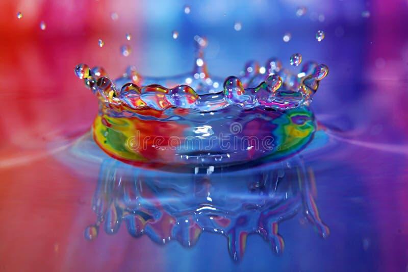 Kleurrijk de plons listig close-up van de Waterdaling stock afbeelding