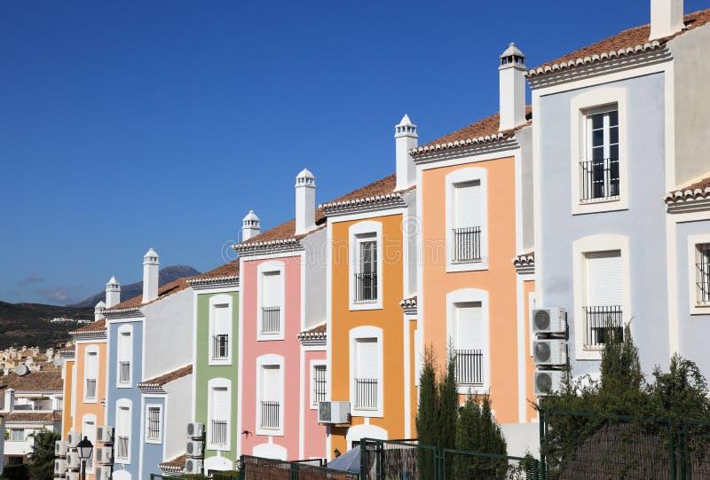 Kleurrijk flatgebouw royalty-vrije stock afbeelding