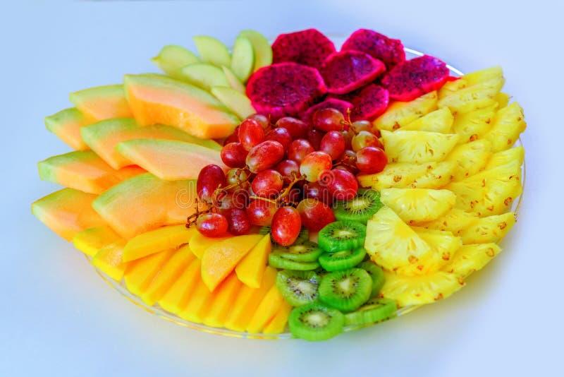 Kleurrijk, gezond voedsel groot idee voor goede voeding, vitaminengift voor vakantie Fruitdienblad Vlak leg, overheadkosten royalty-vrije stock afbeelding