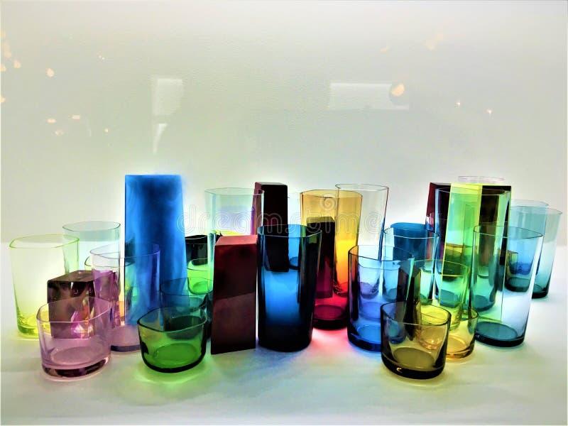 Kleurrijk glas, kunst, ontwerp en betovering royalty-vrije stock afbeeldingen