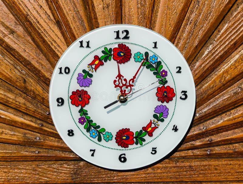 Kleurrijk Hongaars gevormd horloge royalty-vrije stock foto