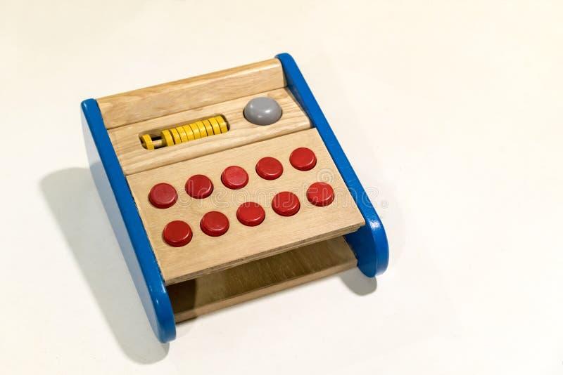 Kleurrijk houten stuk speelgoed op wit royalty-vrije stock afbeelding