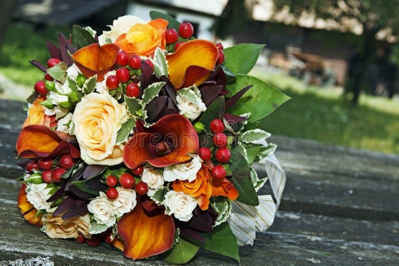 Kleurrijk huwelijksboeket stock foto's