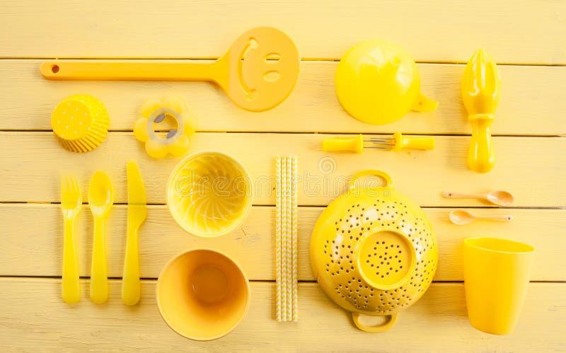 Kleurrijk keukengerei stock fotografie