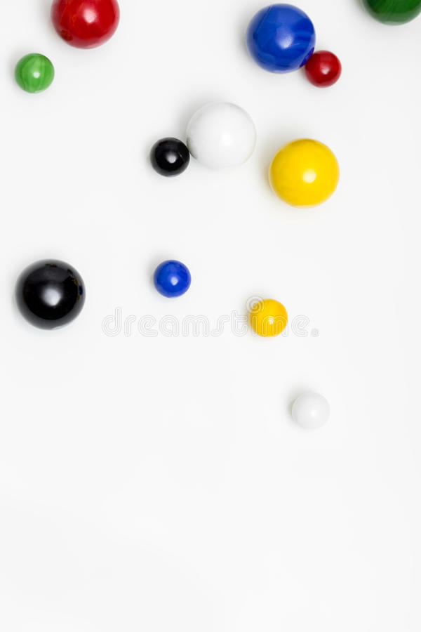 Kleurrijk marmer op witte achtergrond royalty-vrije stock fotografie
