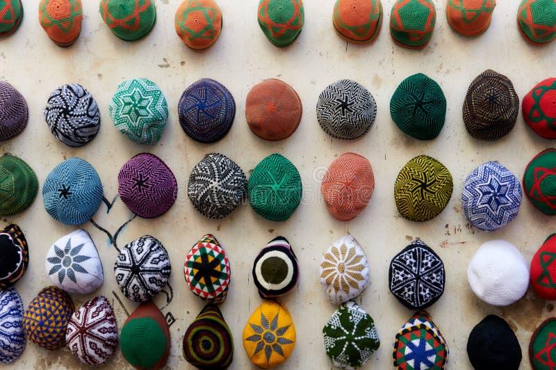 Kleurrijk Marokkaans hoofddeksel - GLB Fez stock afbeeldingen