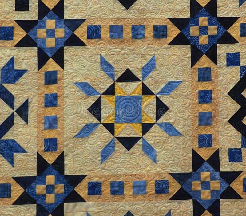 Kleurrijk Traditioneel Dekbed met Vierkanten en Diamanten royalty-vrije stock foto