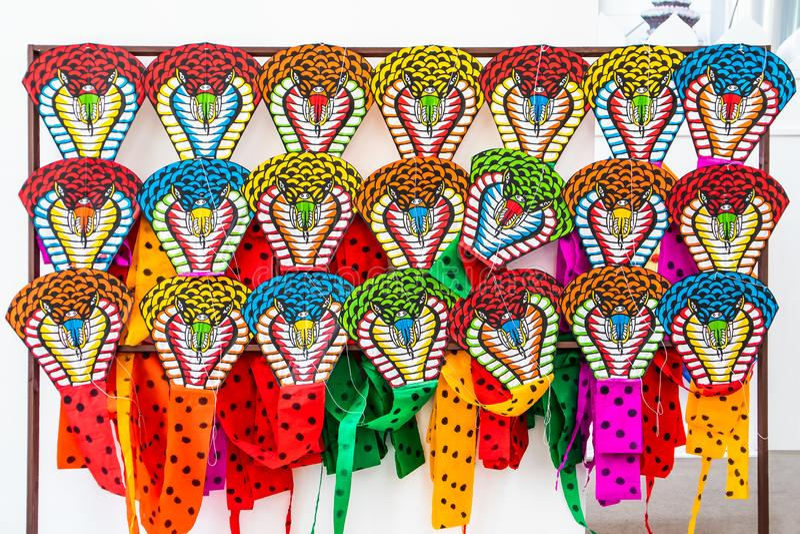 Kleurrijk van de Thaise traditionele stijl van de slangvlieger bij Terminal 21 de weg Bangkok Thailand van Warenhuissukhumvit royalty-vrije stock fotografie