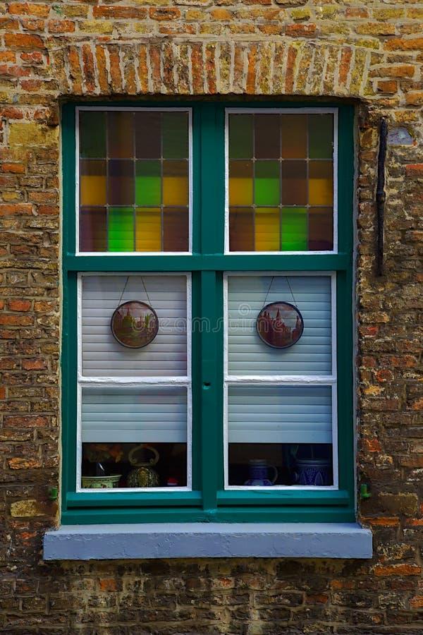 Kleurrijk venster stock foto's