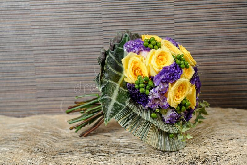 Kleurrijk Vers bloemenboeket royalty-vrije stock afbeelding