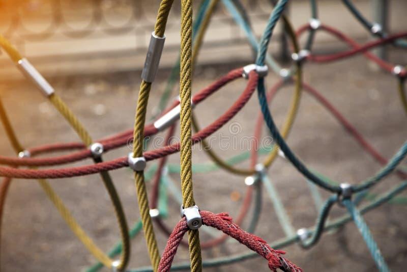 Kleurrijke abstracte kabel op de onscherpe achtergrond royalty-vrije stock foto's