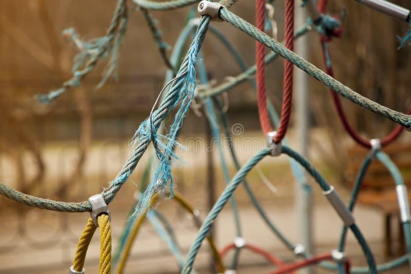 Kleurrijke abstracte kabel op de onscherpe achtergrond royalty-vrije stock afbeeldingen