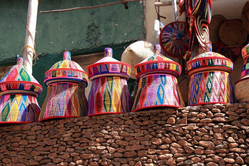 Kleurrijke Afrikaanse Ambachtmarkt, Axum, Ethiopië stock afbeelding