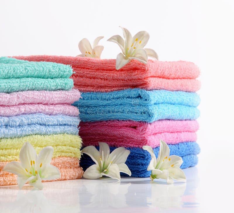 Kleurrijke badhanddoeken royalty-vrije stock foto's