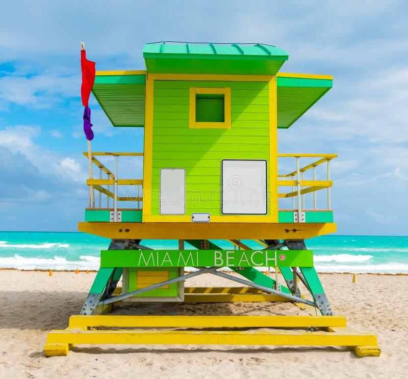 Kleurrijke badmeester in het prachtige Miami Beach, VS stock fotografie