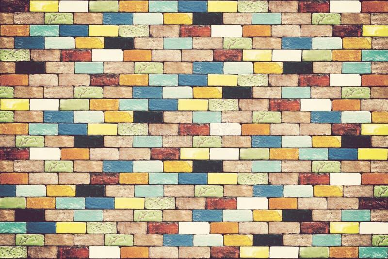 Kleurrijke bakstenen muur voor achtergrond stock afbeelding