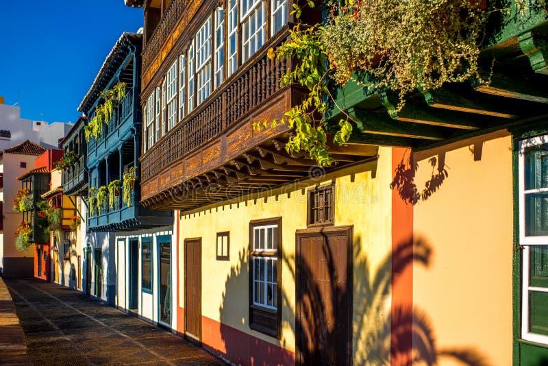 Kleurrijke balkons in Santa Cruz-stad op het eiland van La Palma royalty-vrije stock fotografie