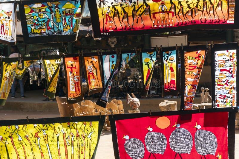 Kleurrijke batic schilderijen met traditionele Afrikaanse patronen royalty-vrije stock foto