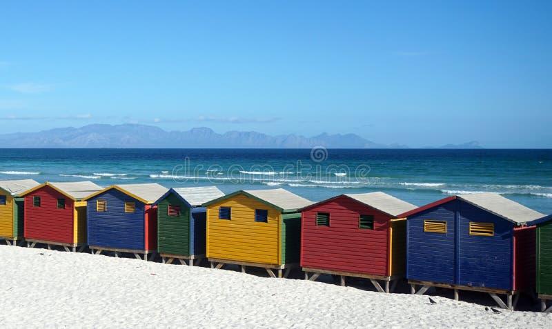 Kleurrijke beachhouses, Cape Town van Zuid-Afrika stock foto's