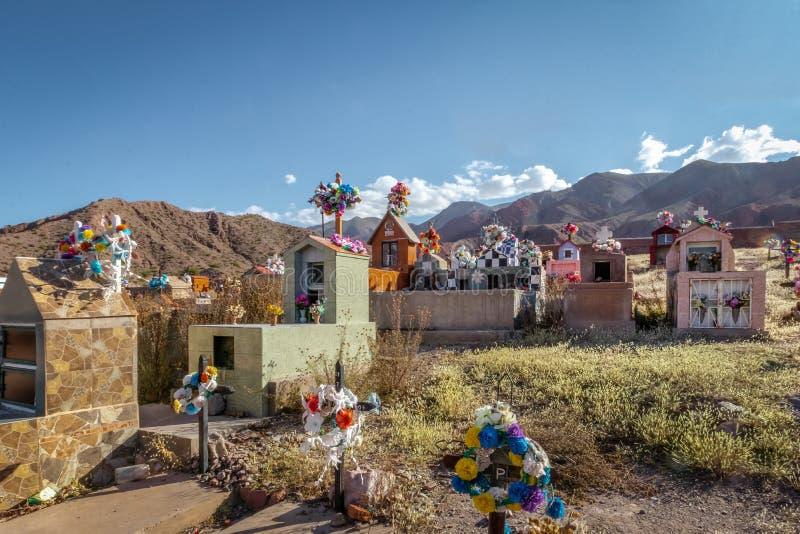 Kleurrijke Begraafplaats in Uquia-Dorp in Quebrada DE Humahuaca - Uquia, Jujuy, Argentinië royalty-vrije stock foto's