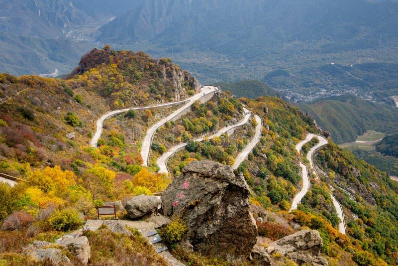 Kleurrijke Berghelling van Baihua Mountainï ¼ Œ Peking royalty-vrije stock afbeelding