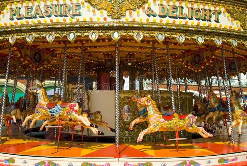 Kleurrijke carrousel stock afbeeldingen