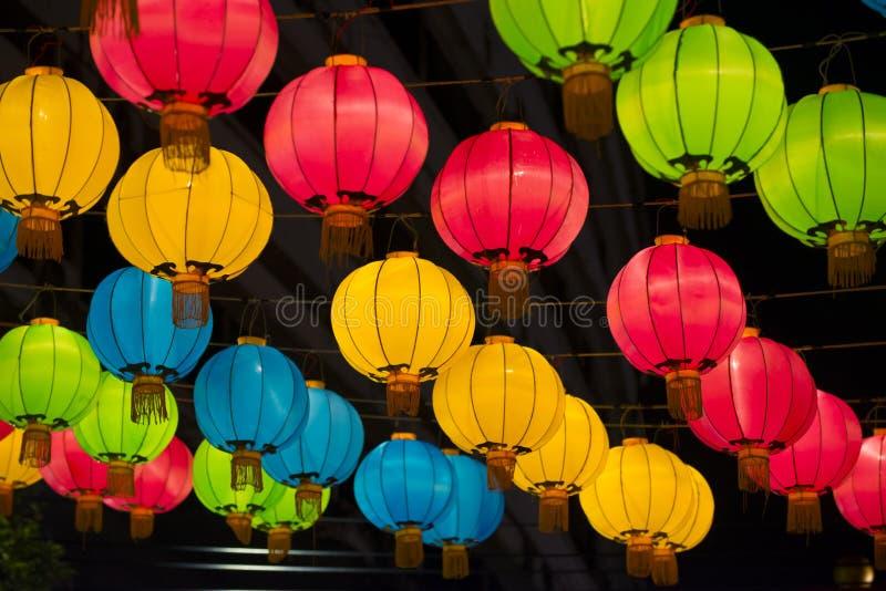 Kleurrijke Chinese lantaarns royalty-vrije stock foto's